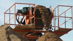Ленточный конвейер для песка