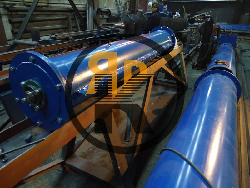 Изготовление шнеков от 100 до 400 мм. колхоз отправил на элеватор 7 т пшеницы